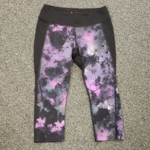 🌺 Gently used Women's Lucy leggings size M